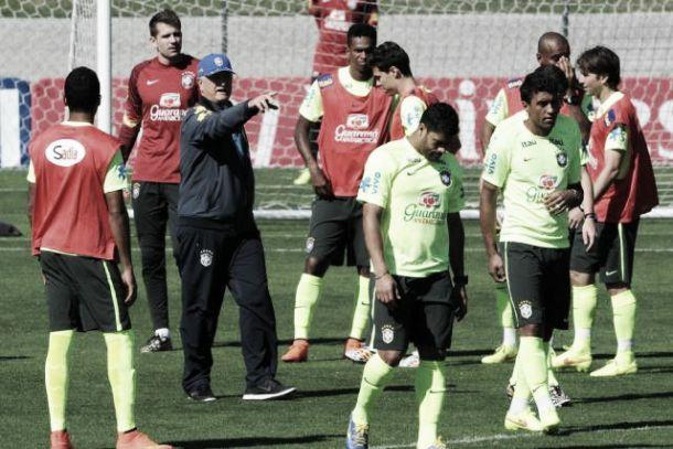 """Jogadores da Seleção brincam com presença de psicóloga: """"Não somos loucos"""""""