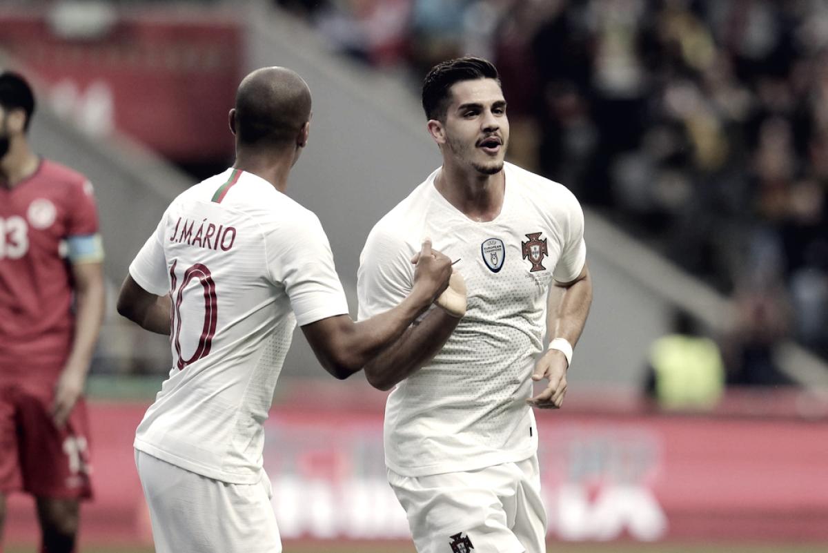 """João Mário lamenta empate de Portugal, e ressalta foco na Copa: """"Foi um jogo de preparação"""""""