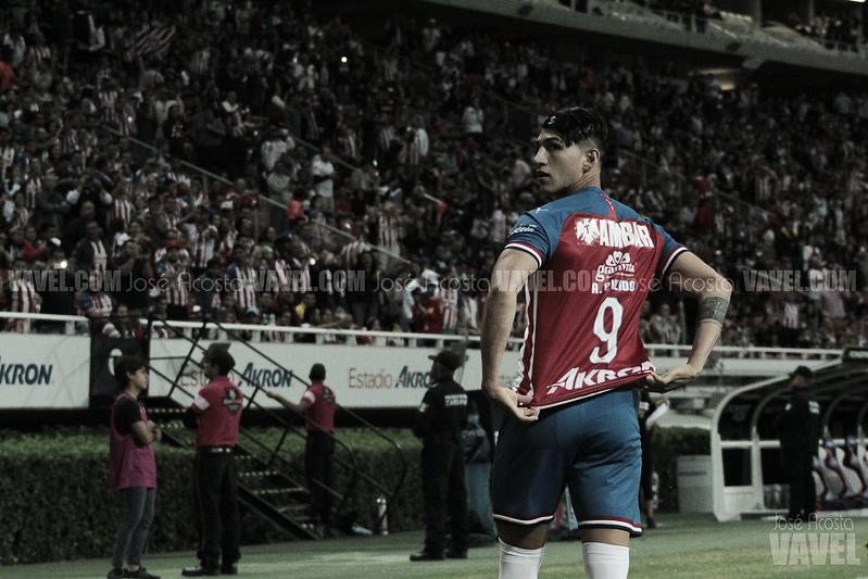 Alan Pulido dejará a las Chivas