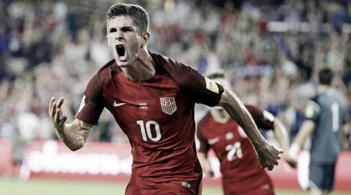 Estados Unidos golea y queda a muy poco del Mundial