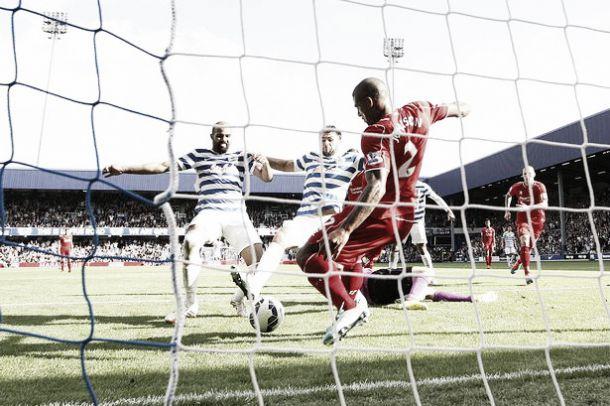 Liverpool vence o QPR por 3-2 num jogo louco em Londres
