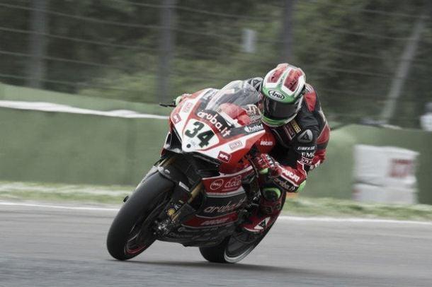 Superbike, Davide Giugliano nuovamente infortunato: per lui stagione finita