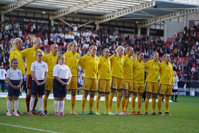 England 0-2 Sweden: Swedes too good for Lionesses