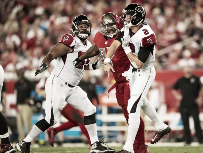 Falcons massacra Buccaneers fora de casa e se isola na liderança da NFC Sul