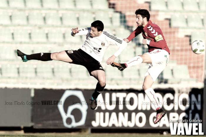 Real Murcia - Mérida: tres puntos para alejar o acercar a la zona alta