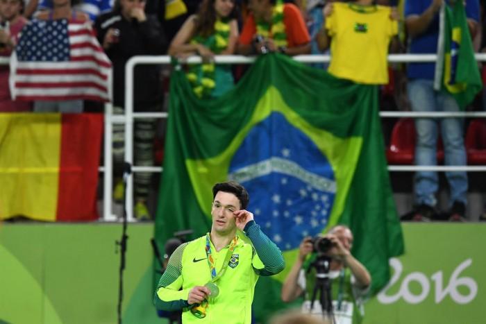 Vitória contra o fracasso e a depressão: Diego Hypólito conquista sua medalha olímpica
