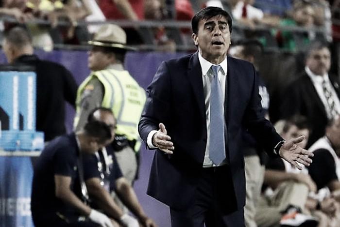 """Gustavo Quinteros: """"Tenemos que salir a buscar el partido"""""""