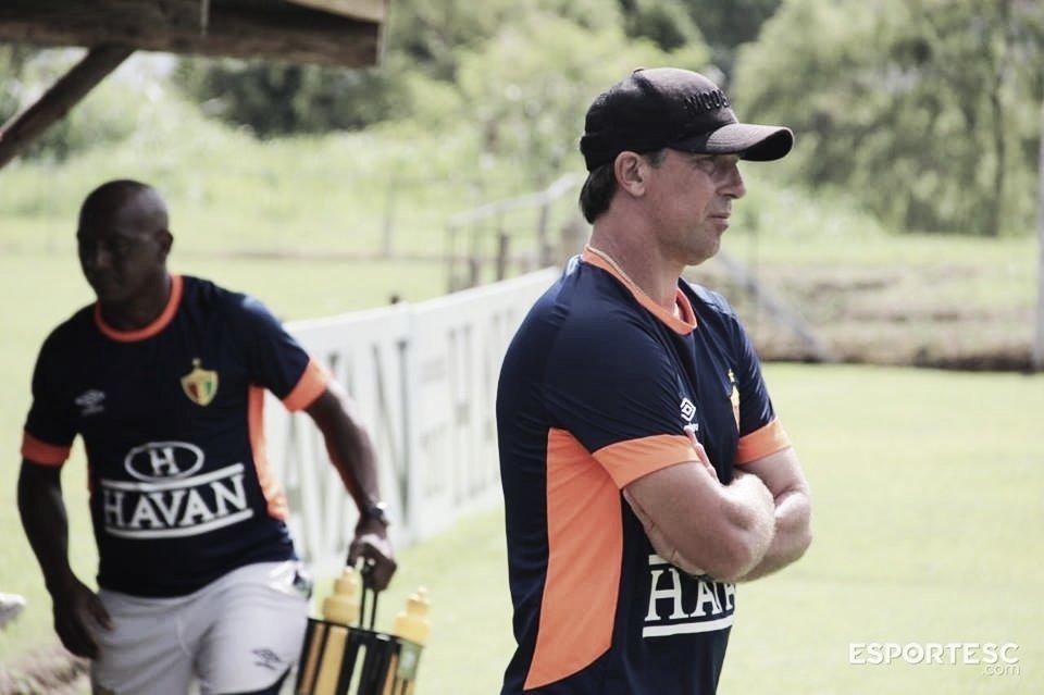 Paulo Baier é demitido do Brusque após três rodadas sem vitórias no Catarinense