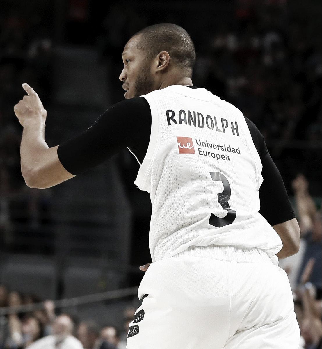 Randolph comanda una exhibición blanca