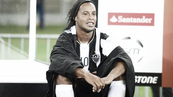 Ronaldinho aciona Atlético-MG na Justiça do Trabalho por atraso em pagamentos