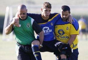 Raúl sufre un esguince de rodilla y sortea el quirófano