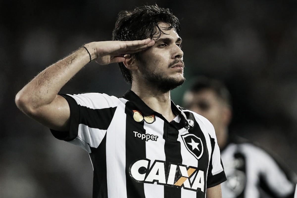 Notas: Rabello se recupera de forma magistral, Luiz Fernando desencanta e Botafogo avança