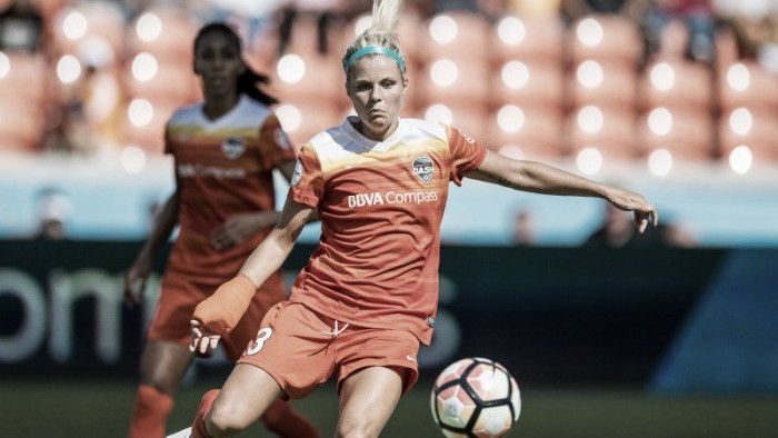 Women's footballer Rachel Daly collapses in United States game as temperatures soar