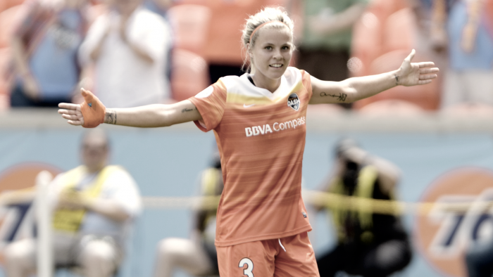 The Houston Dash re-sign Rachel Daly