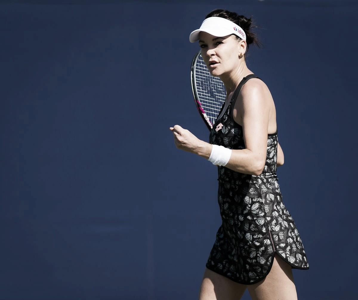 Radwanska supera dificuldades, vira contra Gavrilova e segue em Eastbourne