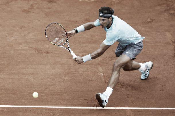 Nadal massacra Thiem e passa de fase em Roland Garros