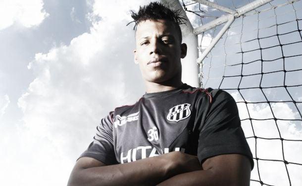 Santos acerta com atacante Rafael Ratão, da Ponte Preta