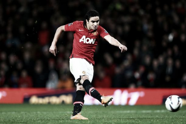 Rafael leaves Manchester United for Lyon
