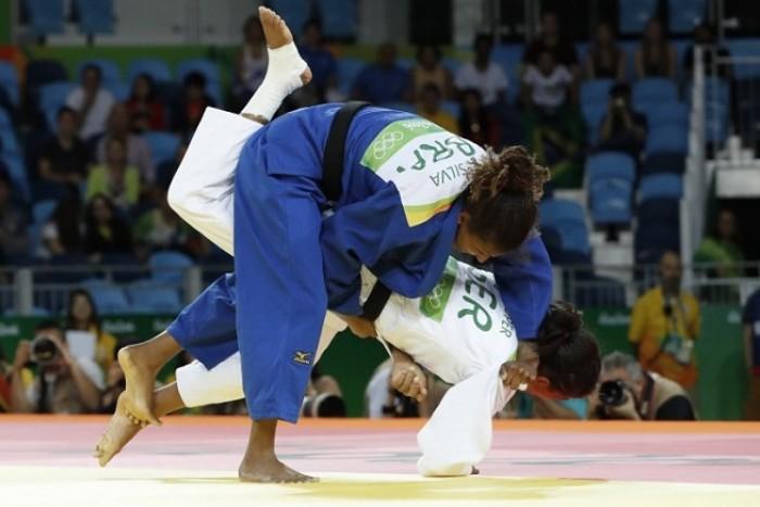 Judô: Em luta rápida, Rafaela Silva estreia com vitória sobre Miryam Rope