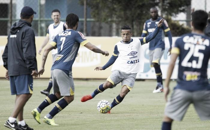 Com Willian confirmado, Mano encaminha Rafinha como titular para enfrentar o São Paulo