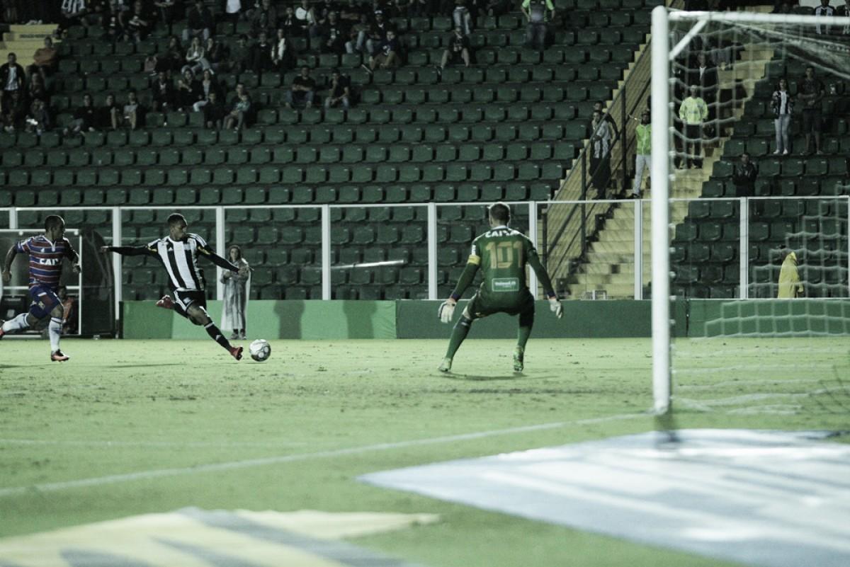 Fortaleza supera Figueirense de virada e permanece invicto na liderança da Série B