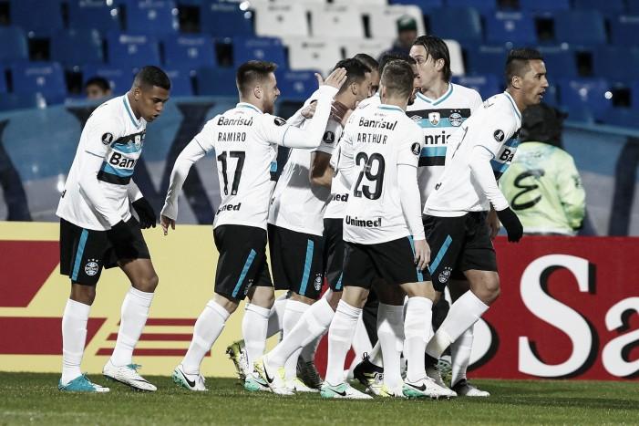 Grêmio bate Godoy Cruz e quebra jejum de 15 anos sem vencer na Argentina para ter vantagem nas oitavas