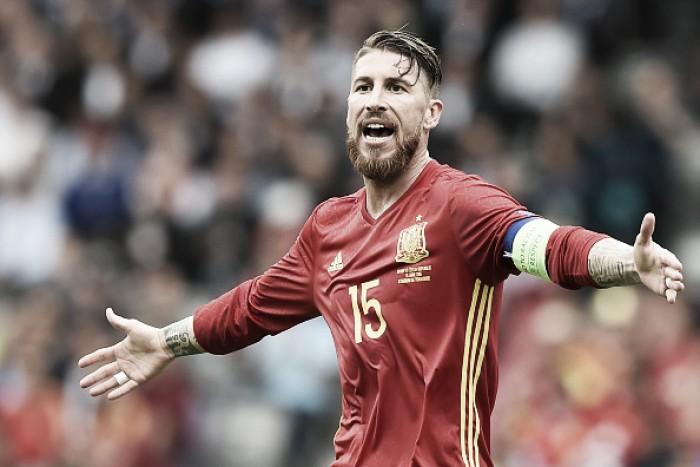 """Sergio Ramos cita ausência de Casillas na estreia da Euro: """"É estranho após tantos anos juntos"""""""