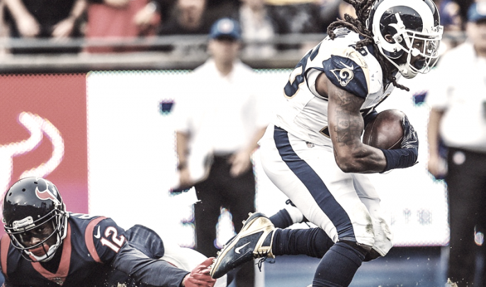 Los Rams vuelven a vencer en otra exhibición ofensiva