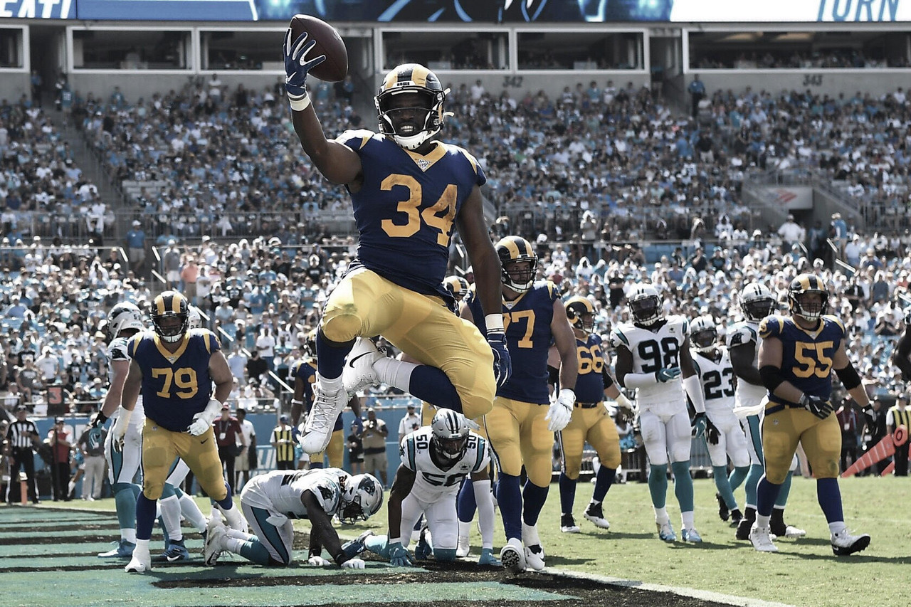 Debut con victoria de Rams sobre Panthers