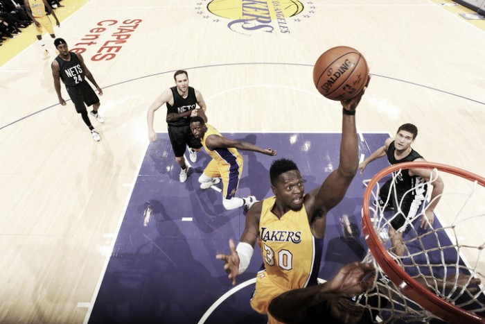 Julius Randle's triple-double gives the Los Angeles Lakers a 125-118 win