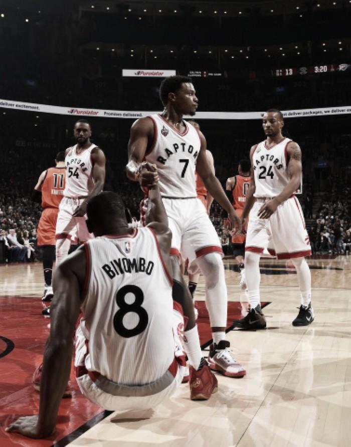Los Raptors sufren a los inspirados Westbrook y Durant