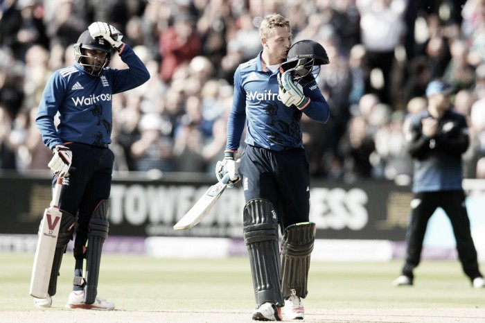 Root and Buttler get England over the line and into final