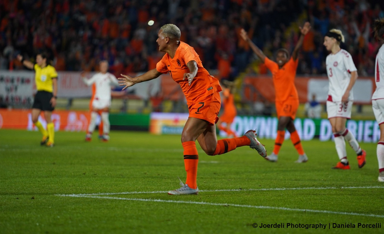 UEFA Women's World Cup play-off: Netherlands 2-0 Denmark