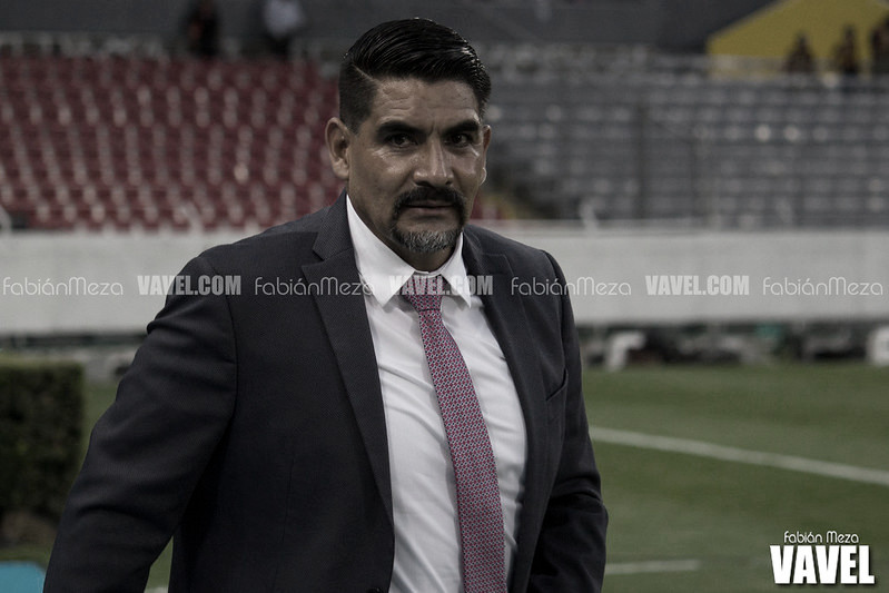 Ricardo Rayas deja de ser técnico de la U de G