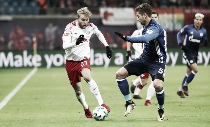 Schalke, superado en la cancha y en la clasificación