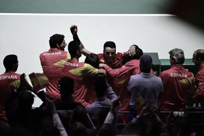 Bautista-Agut vence Auger-Aliassime na primeira partida da decisão da Copa Davis