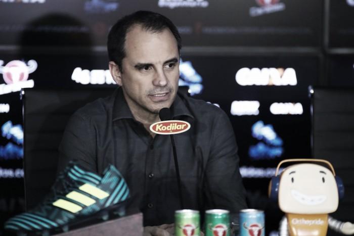 Rodrigo Caetano lamenta saída de Zé Ricardo, mas admite necessidade de mudança