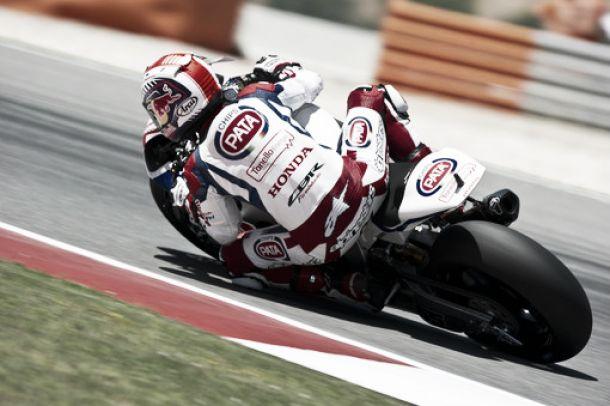 """Jonathan Rea: """"Estoy disfrutando pilotando la moto aquí"""""""