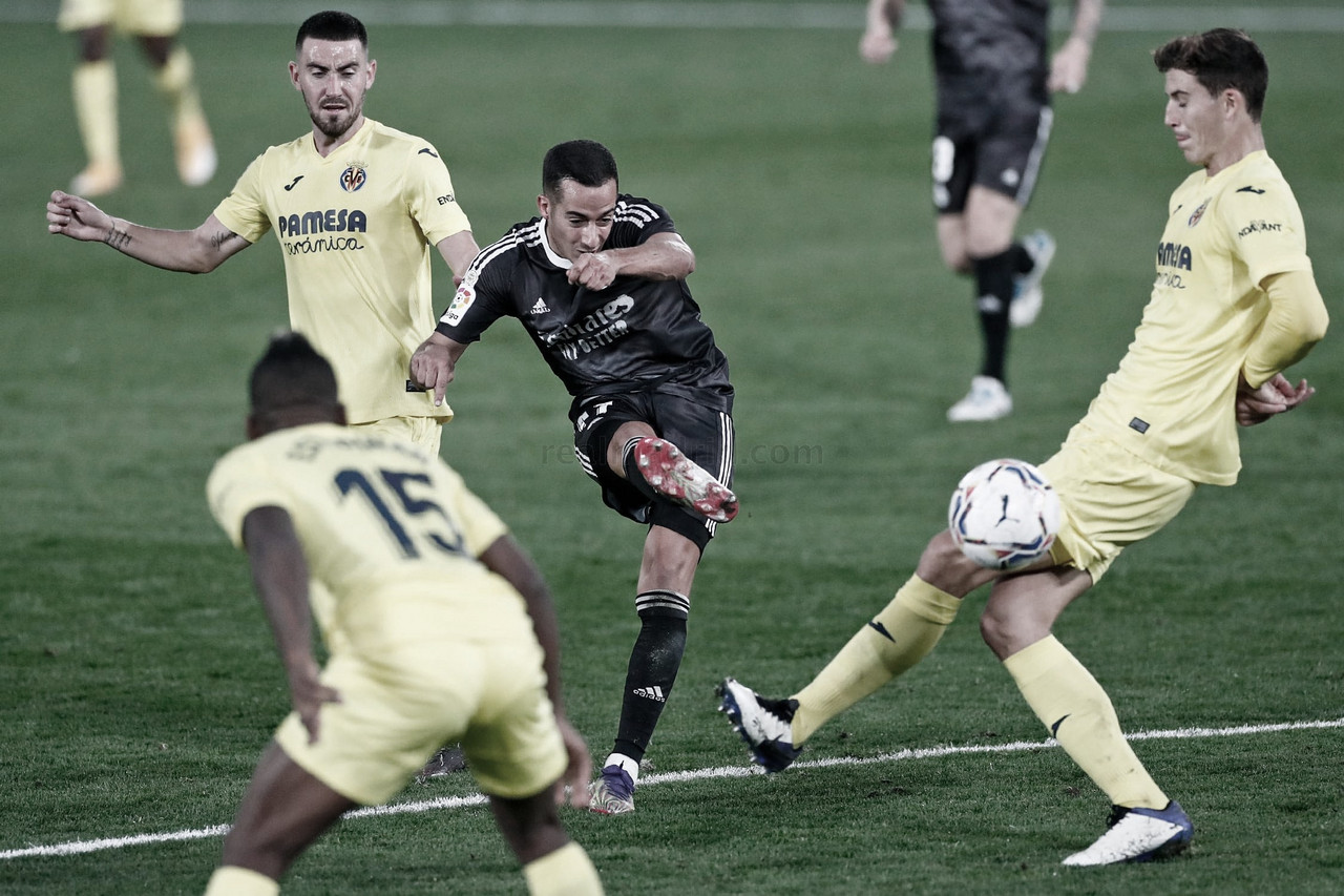 Lucas Vázquez rodeado por jugadores del Villarreal. Fuente: Real Madrid