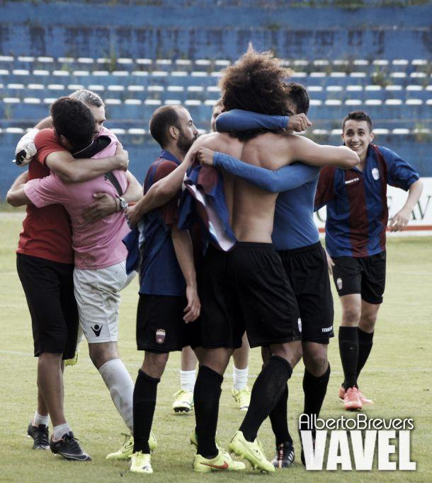 Fotos e imágenes del Real Avilés CF - CD Eldense, ida del 'playout' en Segunda División B