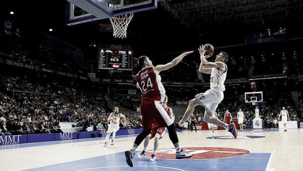 Aplastante victoria de un Madrid coral y más líder