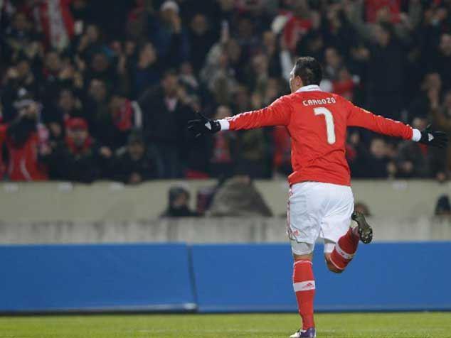 Com dois gols em cinco minutos, Benfica vira pra cima do Newcastle