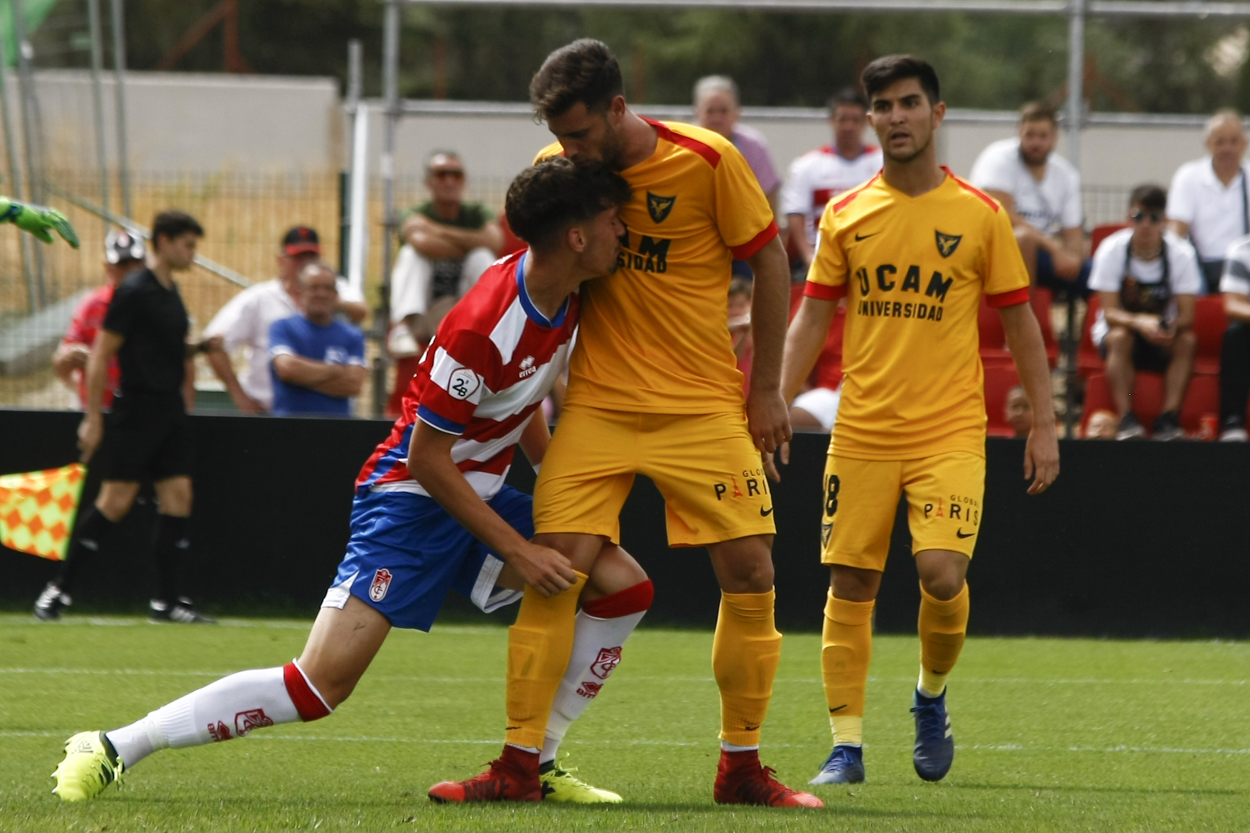 Recreativo Granada - UCAM Murcia: a seguir en la senda de la victoria