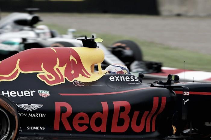 Mercedes retira el requerimiento presentado ante Max Verstappen