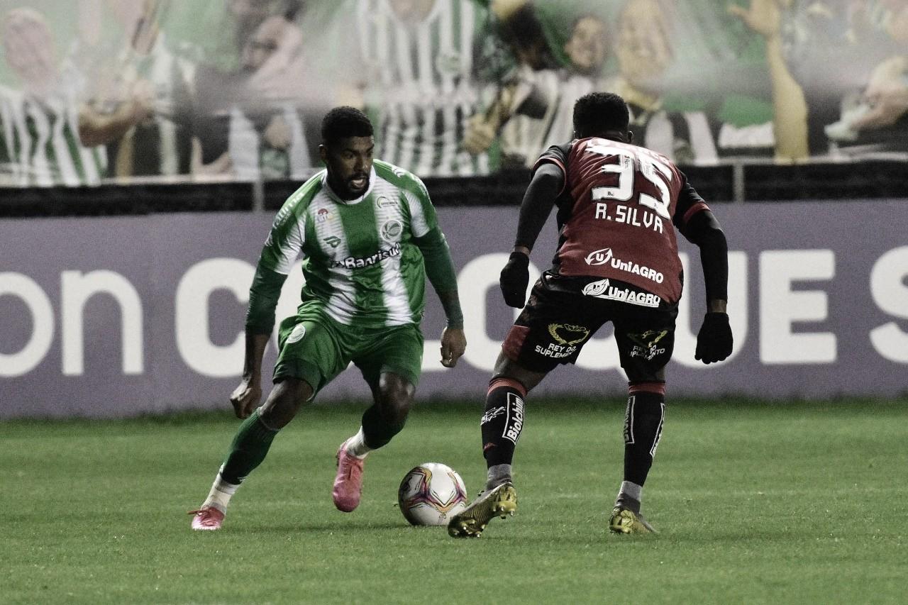Juventude sai na frente, mas cede empate para Vitória em casa