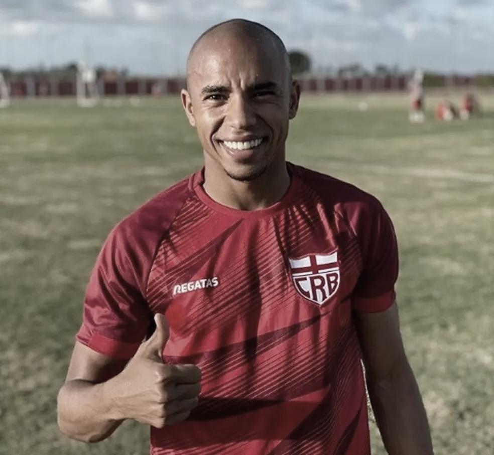Após vitória sobre Cruzeiro, Reginaldo Lopes mira evolução do CRB na temporada