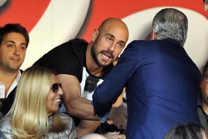 Napoli, arriva ADL in ritiro: faccia a faccia con Reina in programma