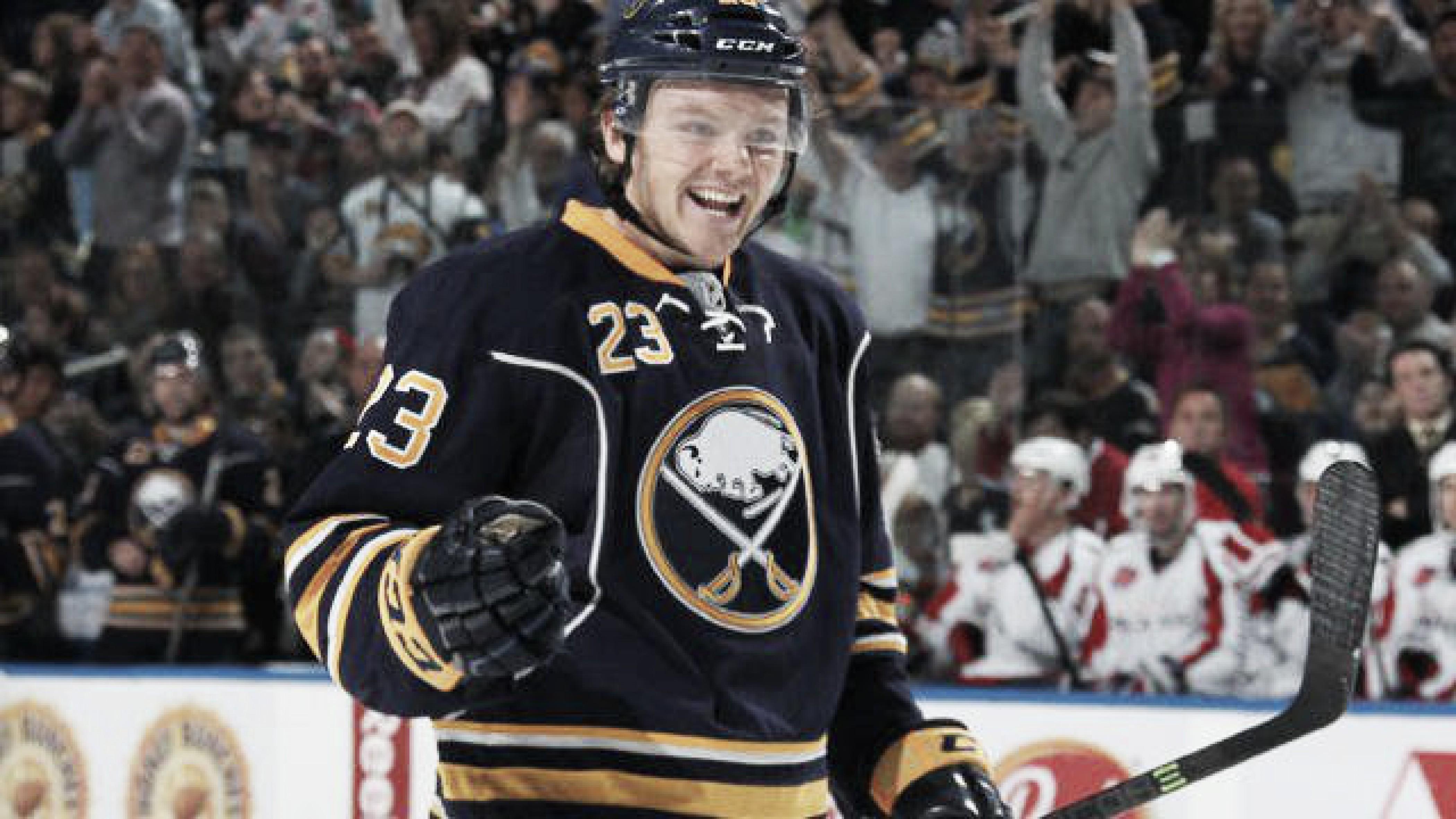 Reinhart firma extensión de dos años con Buffalo