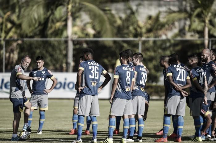 Henrique é vetado e Mano Menezes relaciona 22 jogadores para enfrentar o Santos