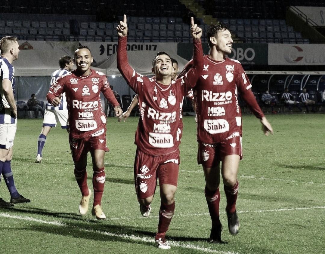 Renan Mota comemora bom início no Vila Nova e mira sequência positiva